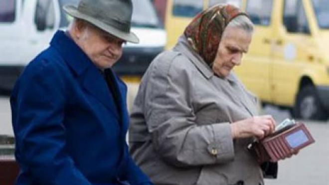 На сколько повысят пенсии в 2017 году в украине