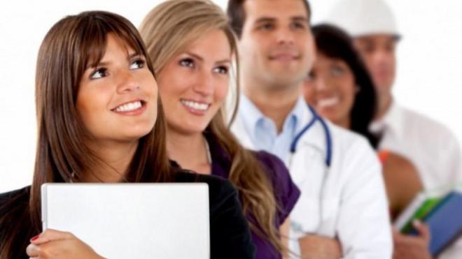 активные профессии для девушек работу