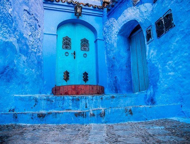 Невероятный город синего цвета