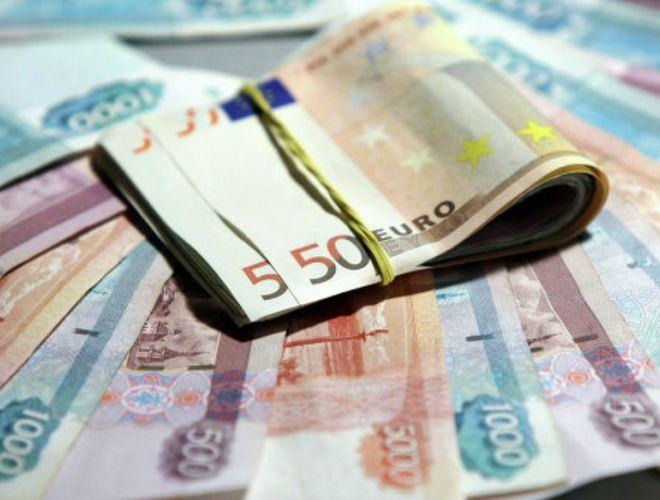 Евро дорожает из-за возможной победы Марин Ле Пен