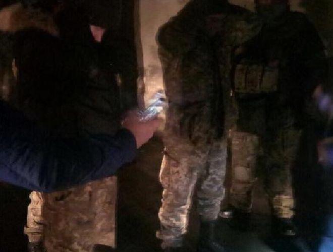 Полиция конфисковала крупную партию оружия, которое везли на Майдан в Киев