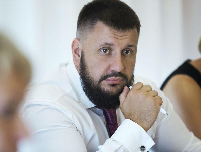 Власть и олигархи собираются заработать на продаже украинской земли $208 миллиардов, - Александр Клименко