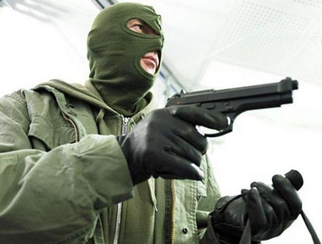Громкое ограбление в Киеве: у мужчины возле банка отобрали 1 млн грн