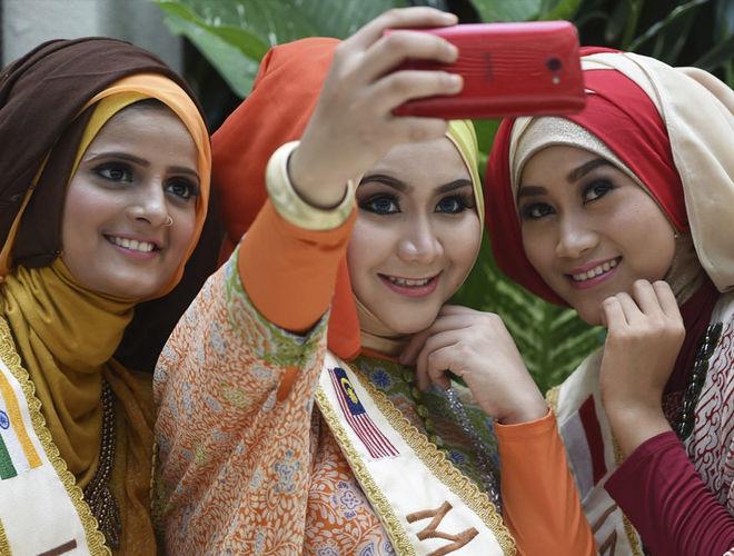 """""""Мисс в хиджабе"""": как проводят конкурсы красоты среди мусульманок"""