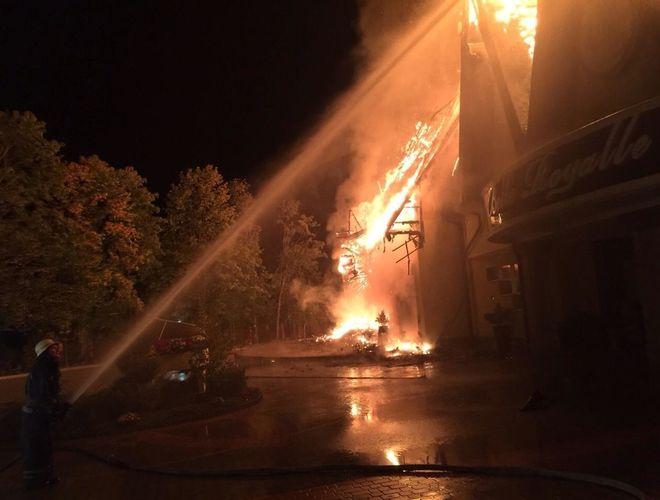 В Киеве сгорел оздоровительный комплекс
