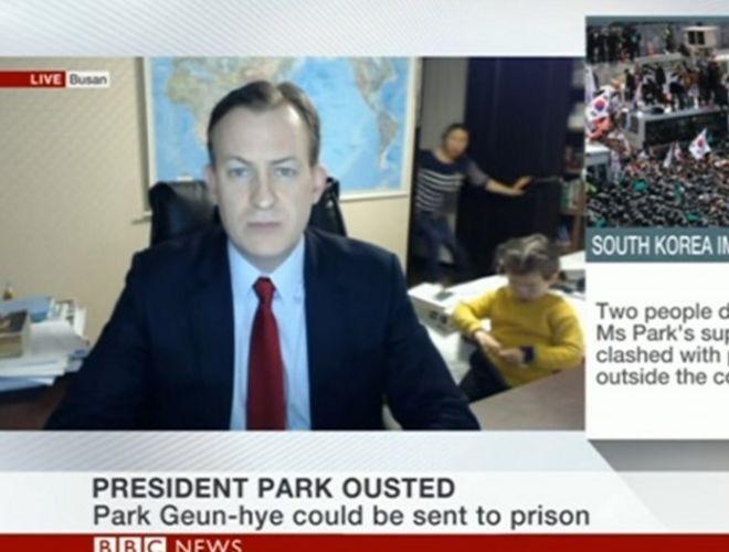 Дети сорвали интервью в прямом эфире ведущего BBC