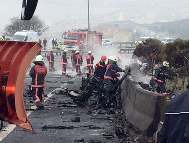 В Стамбуле разбился пожарный вертолет