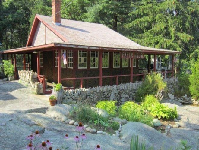 Показали фото 90-летнего Newspaper House