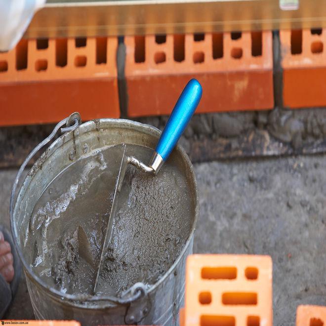 Украину засыпали поддельным цементом