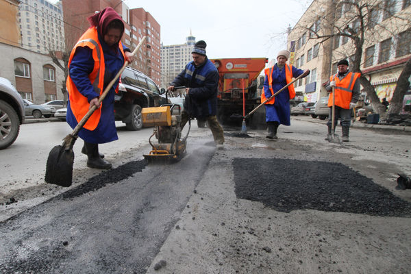 В Украине на ремонт дорог выделят втрое больше денег