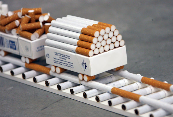 Налоговики решили диктовать цены на украинские сигареты