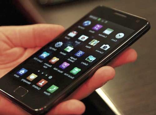 Пользователи смартфонов постоянно подвергаются кибератакам