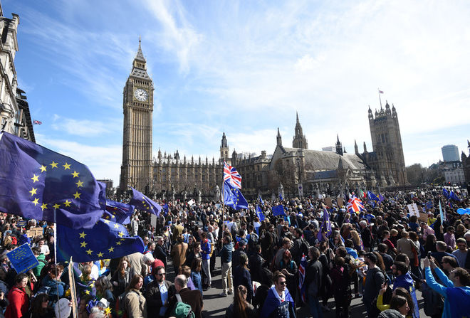 В Британии прошли массовые акции протеста против выхода из ЕС