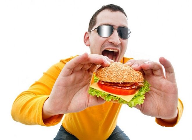 Украинцы стали чаще питаться в фаст-фудах