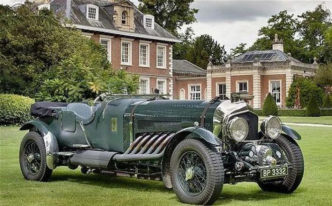 Раритетный Bentley выставили на продажу за полмиллиона евро