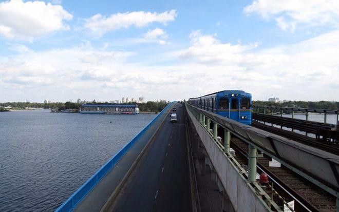 В Киеве частично перекроют один из мостов