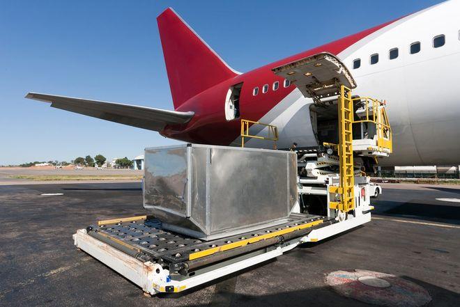 В Украине утвердили условия для авиаперевозчиков опасных грузов