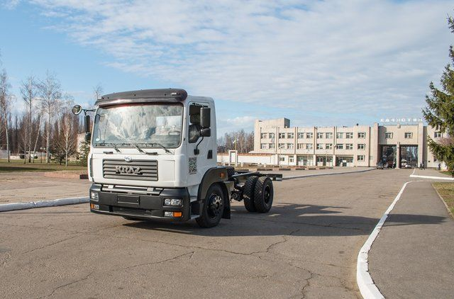 КрАЗ выпустил новый бескапотный автомобиль