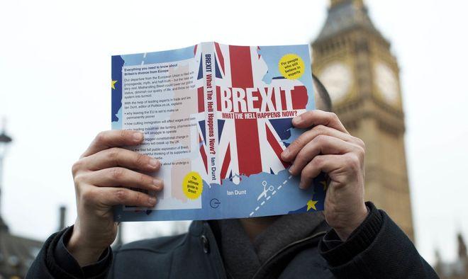 """В ЕС выпустили """"учебник"""" по Brexit"""