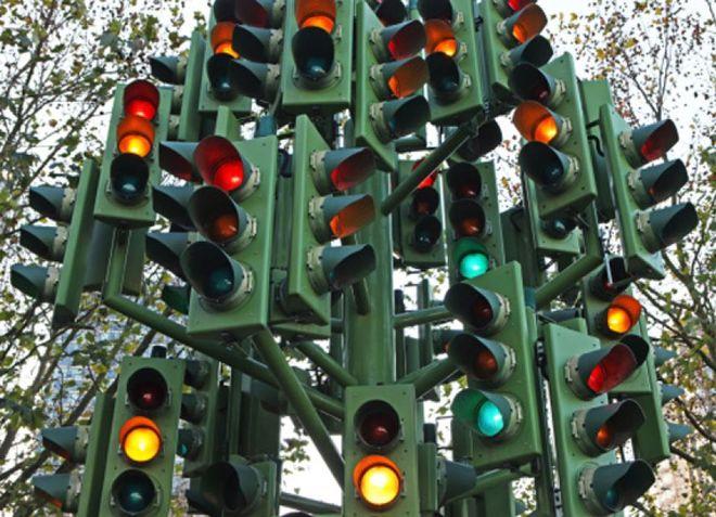 В Киеве установят более 800 новых светофоров