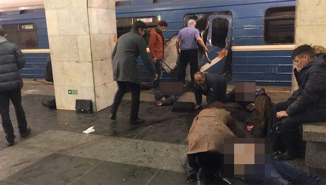 Опубликованы фото с места теракта в метро Санкт-Петербурга