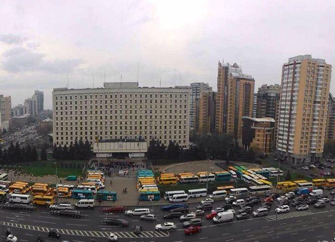 В Киеве начался бунт водителей маршруток