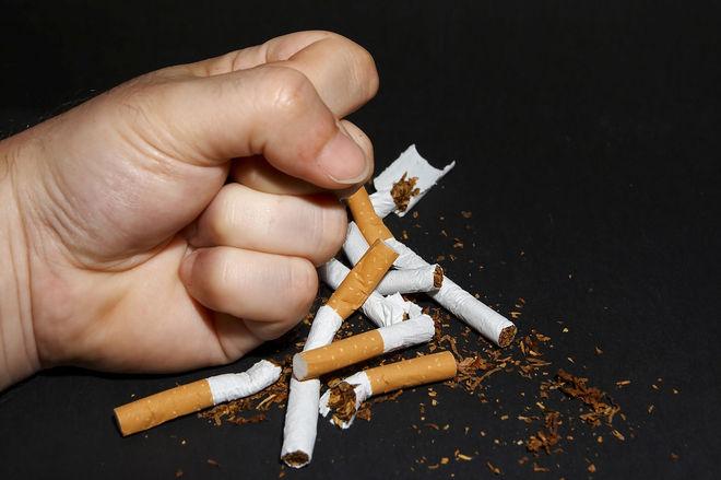 Стало известно, как часто люди умирают от курения