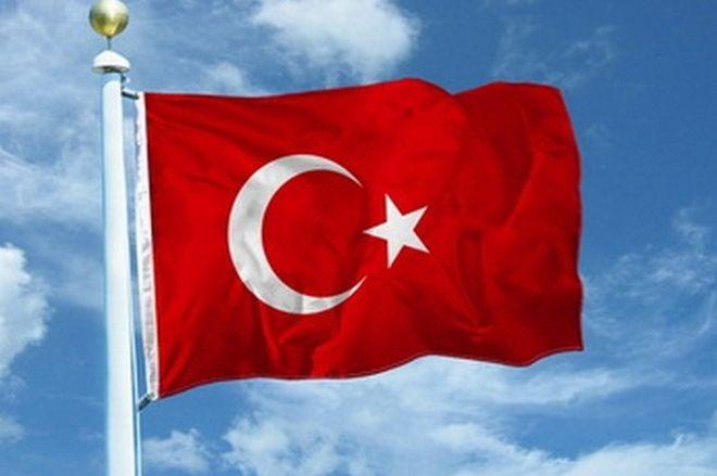 Россия должна прекратить поддерживать Асада - глава МИД Турции
