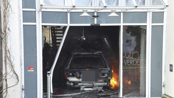 В Германии автомобиль въехал в Ратушу