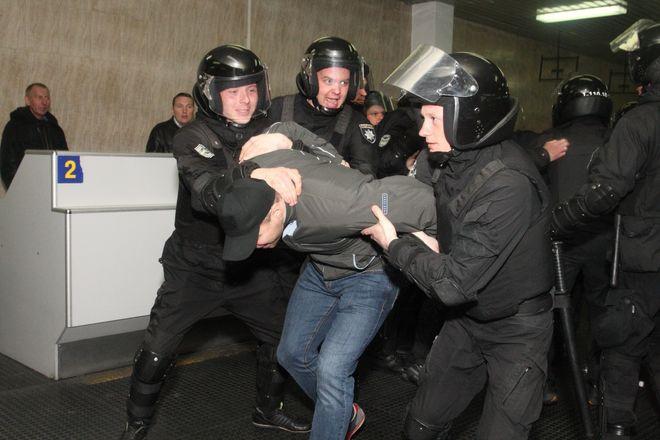 """Показали, как готовят аэропорт """"Борисполь"""" к Евровидению"""