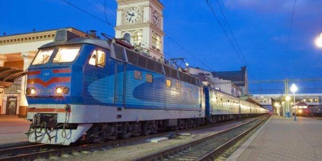 """На Пасху """"Укрзализныця"""" запустит в работу 20 дополнительных поездов"""