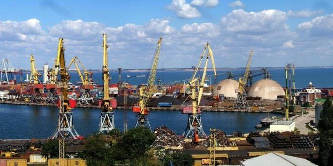 Украинские морпорты увеличили объемы грузопереработки