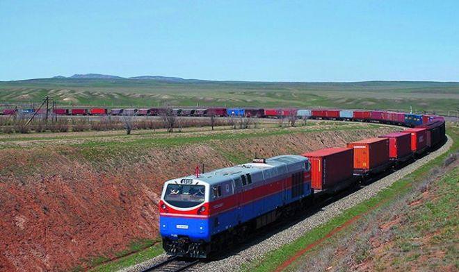 Гройсман анонсировал участие Украины в развитии Транскаспийского транспортного коридора