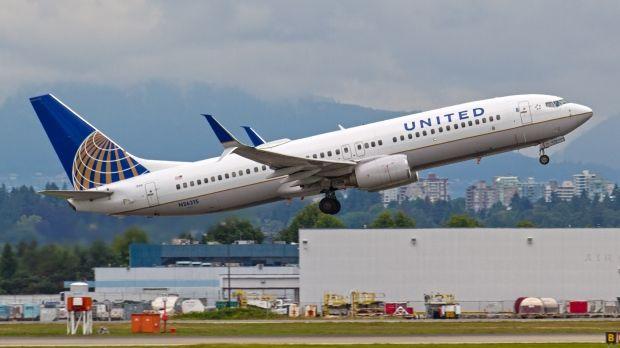 Авиакомпании пришлось выложить $600 млн. за то, что выставила пассажира с рейса