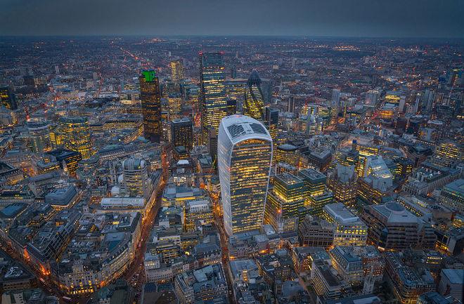 Показали Лондон с высоты