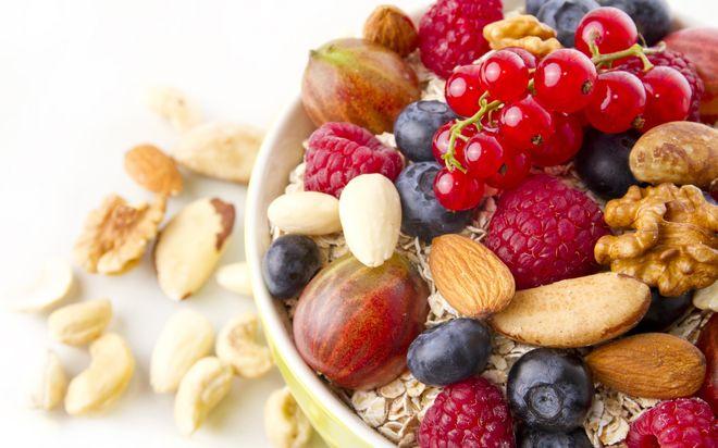 Украинцы могут рекордно разбогатель на орехах и ягодах