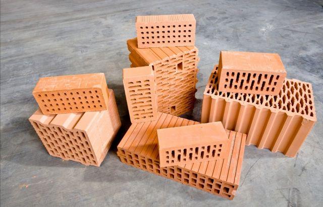 В Украине на руинах построят новый завод строительной керамики