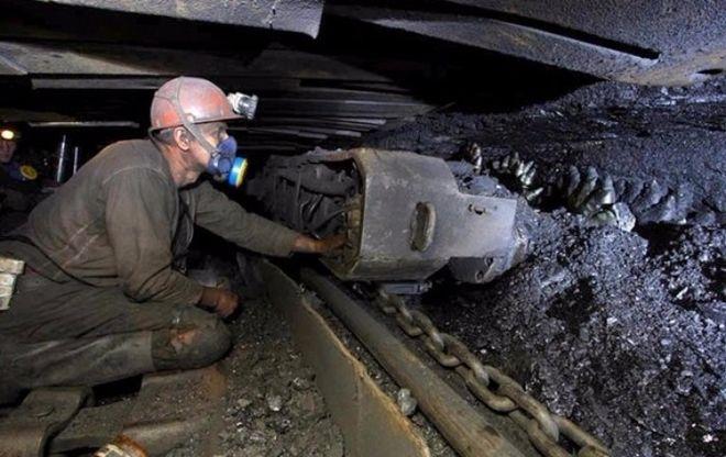 Украинские шахтеры объявили подземную забастовку, и требуют повышения зарплаты