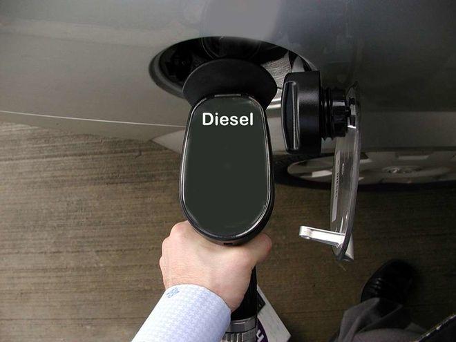 На украинских заправках резко подешевеет топливо