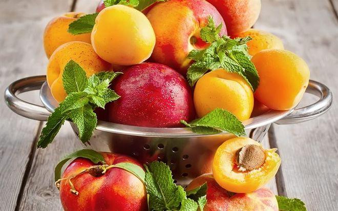 Из-за майских заморозков Украина останется без абрикосов и персиков