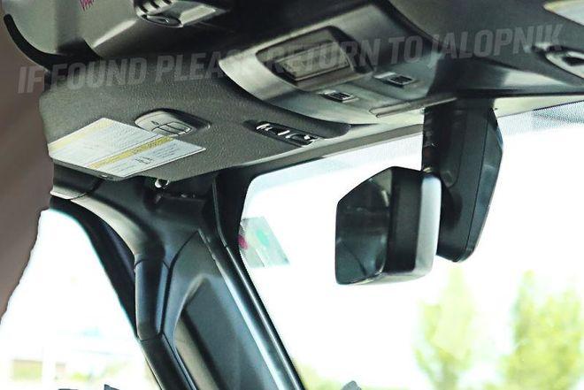 Стало известно, каким будет интерьер нового Jeep Wrangler 2018