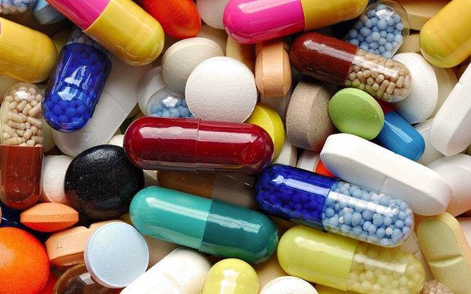 Кабмин обещает выделить больше денег на бесплатные лекарства