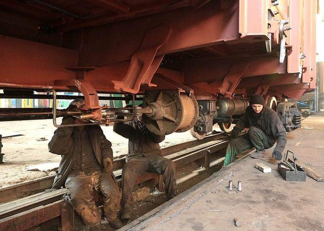 На украинских заводах изготовят 3000 грузовых вагонов