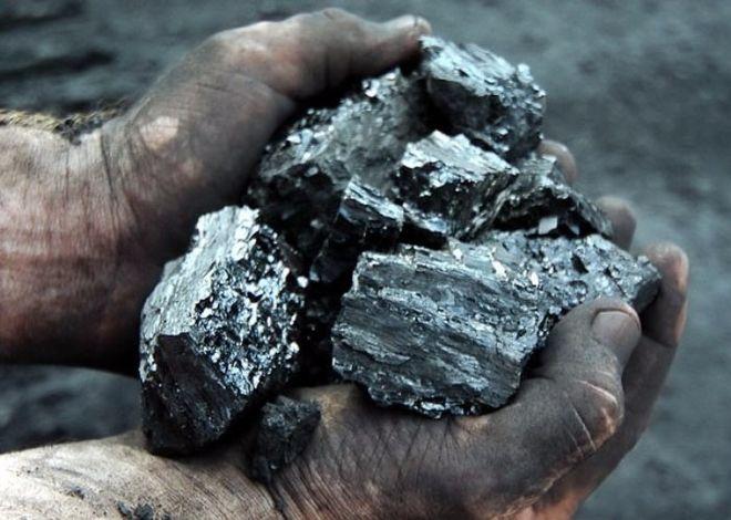 ГФС просят конфисковать уголь с оккупированного Донбасса