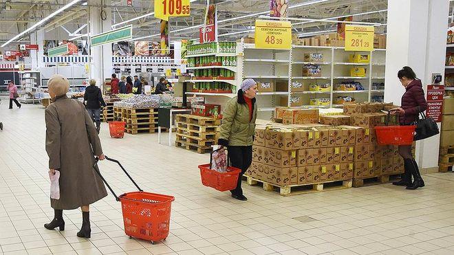 Украинцы стали чаще посещать магазины
