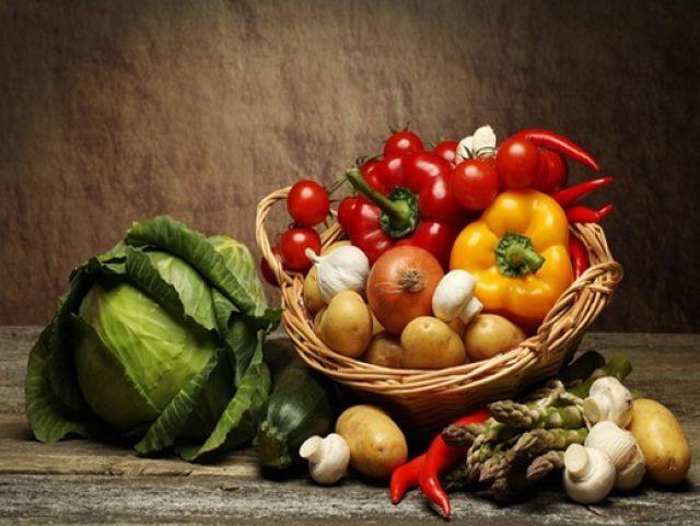 В Украине упали цены на ранние овощи