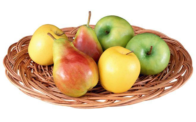 Украина потеряла почти половину урожая яблок и груш