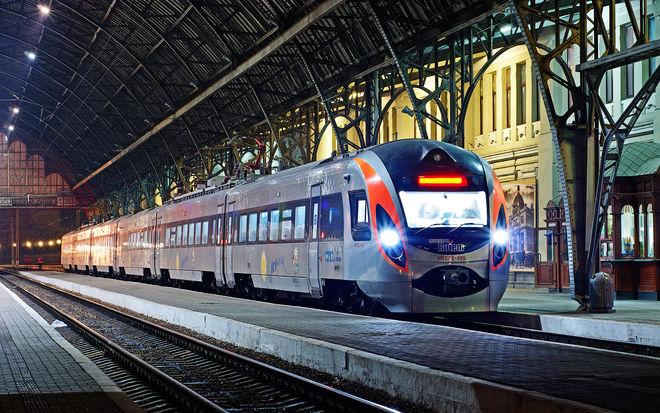 """""""Укрзализныця"""" запускает еще один поезд на юг Украины"""