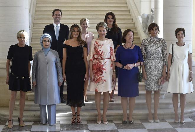 Первые леди и один джентльмен: показали супругов участников саммита НАТО