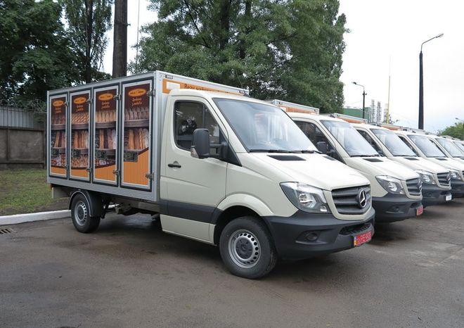 В Киеве хлеб будут возить на Мерседесах